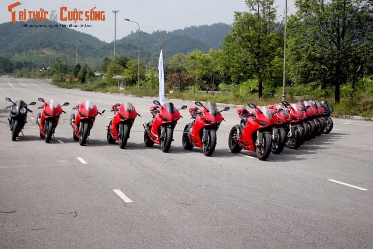 "Dan sieu moto Ducati Panigale ""khoe dang"" tai Ha Noi-Hinh-10"