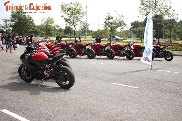 "Dan sieu moto Ducati Panigale ""khoe dang"" tai Ha Noi-Hinh-12"