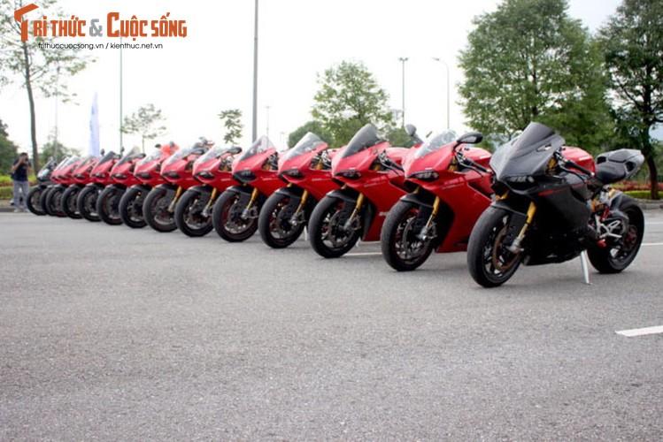 "Dan sieu moto Ducati Panigale ""khoe dang"" tai Ha Noi-Hinh-3"