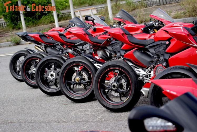 "Dan sieu moto Ducati Panigale ""khoe dang"" tai Ha Noi-Hinh-8"