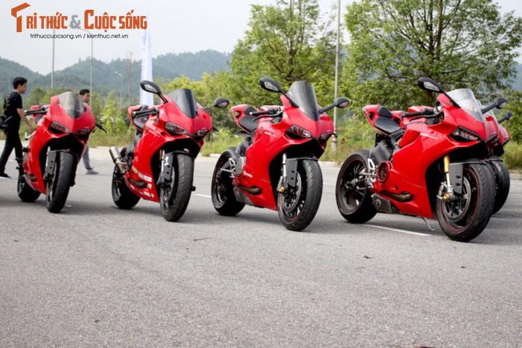 "Dan sieu moto Ducati Panigale ""khoe dang"" tai Ha Noi-Hinh-9"