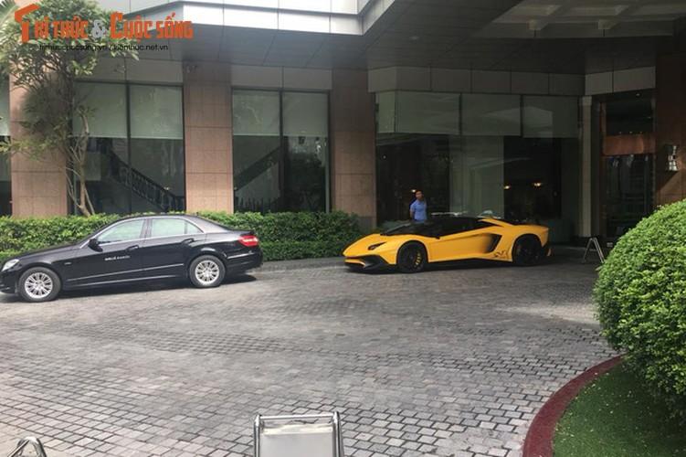 Lamborghini Aventador SV mui tran gia 39 ty tai Viet Nam-Hinh-2