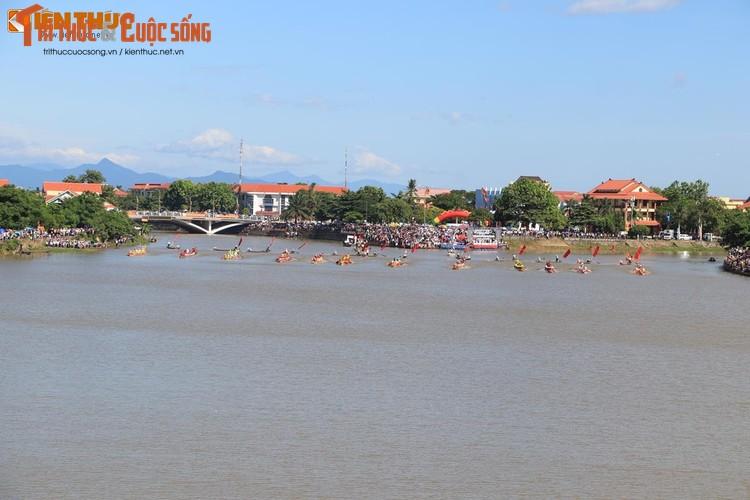 Tung bung le hoi dua thuyen tren que huong Dai tuong Vo Nguyen Giap-Hinh-6
