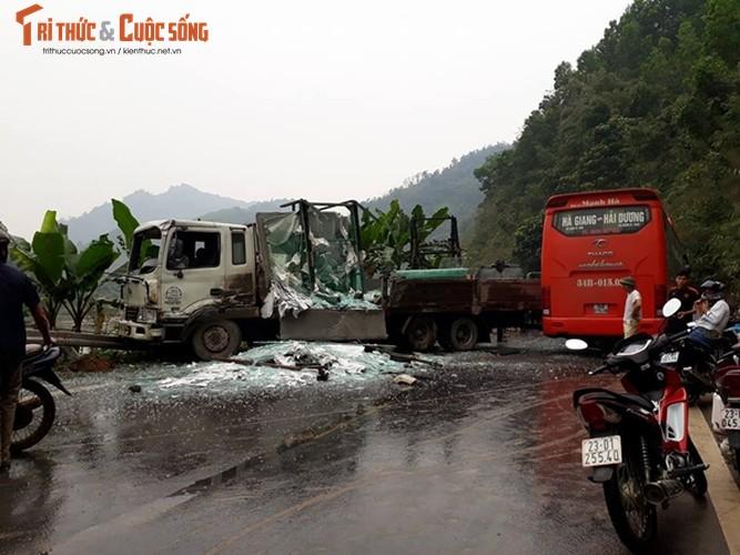 Hien truong vu tai nan giao thong khien nhieu nguoi nhap vien o Tuyen Quang-Hinh-2