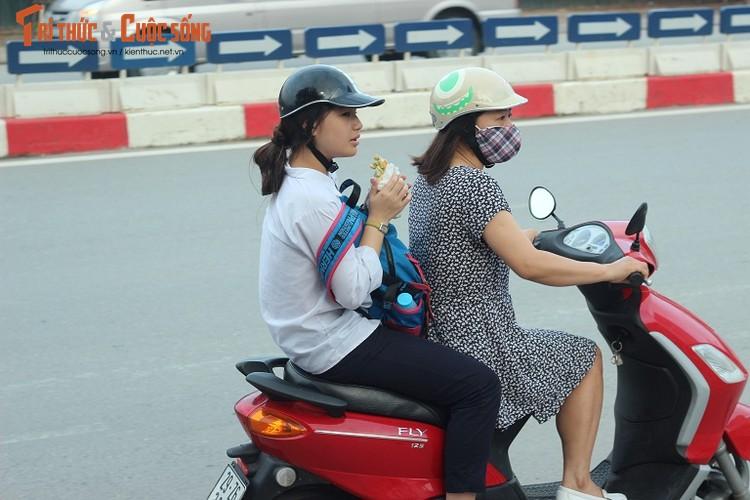 Anh: Thi sinh hoi hop truoc thi vao lop 10 o Ha Noi-Hinh-12