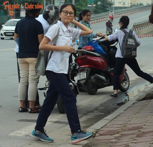 Anh: Thi sinh hoi hop truoc thi vao lop 10 o Ha Noi-Hinh-3