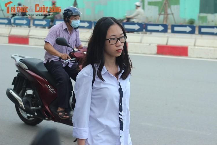 Anh: Thi sinh hoi hop truoc thi vao lop 10 o Ha Noi-Hinh-5