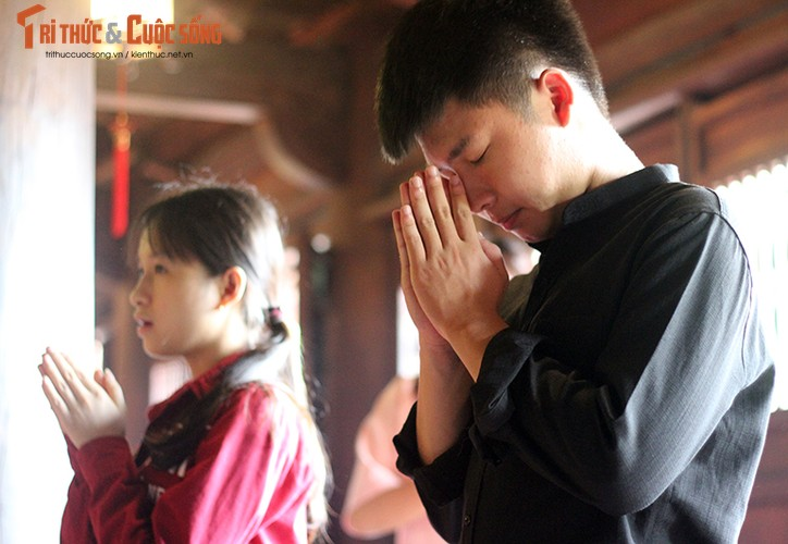 Anh: Si tu keo den Van Mieu cau may truoc ngay thi THPT Quoc gia-Hinh-5