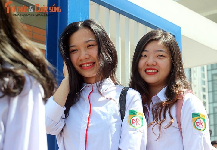 Anh: Thi sinh tho phao voi de thi mon Ngu van THPT Quoc gia-Hinh-3
