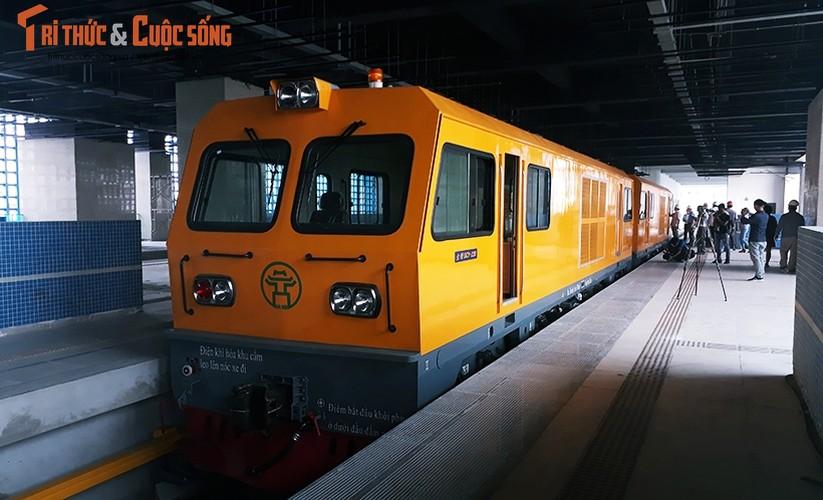 Chum anh: Dau may chay 5-20km/h tren tuyen duong sat Cat Linh-Ha Dong