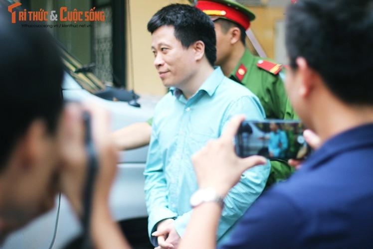 Anh: Ha Van Tham mim cuoi, Nguyen Xuan Son hoc hac sau ban an-Hinh-4