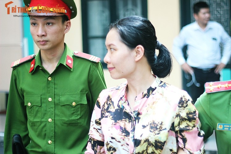 Anh: Ha Van Tham mim cuoi, Nguyen Xuan Son hoc hac sau ban an-Hinh-8