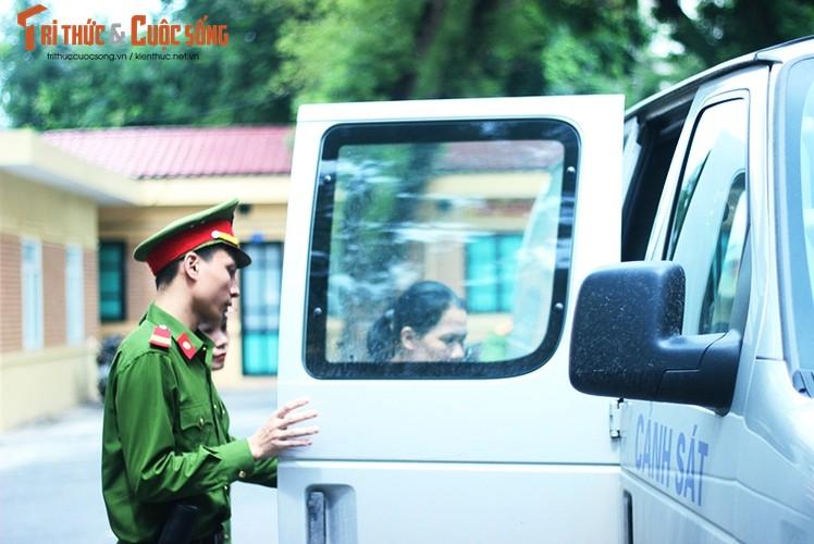 Anh: Ha Van Tham mim cuoi, Nguyen Xuan Son hoc hac sau ban an-Hinh-9