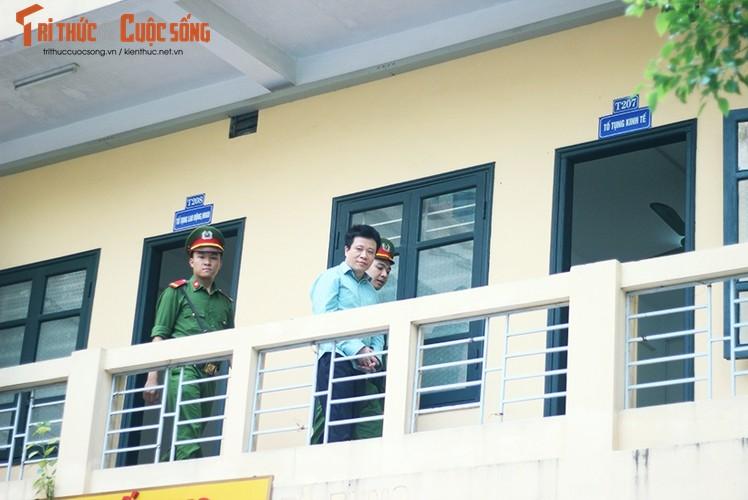 Anh: Ha Van Tham mim cuoi, Nguyen Xuan Son hoc hac sau ban an
