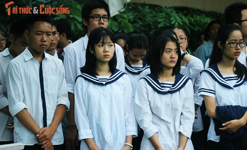 Anh: Xuc dong, nghen ngao le tang thay Van Nhu Cuong-Hinh-10