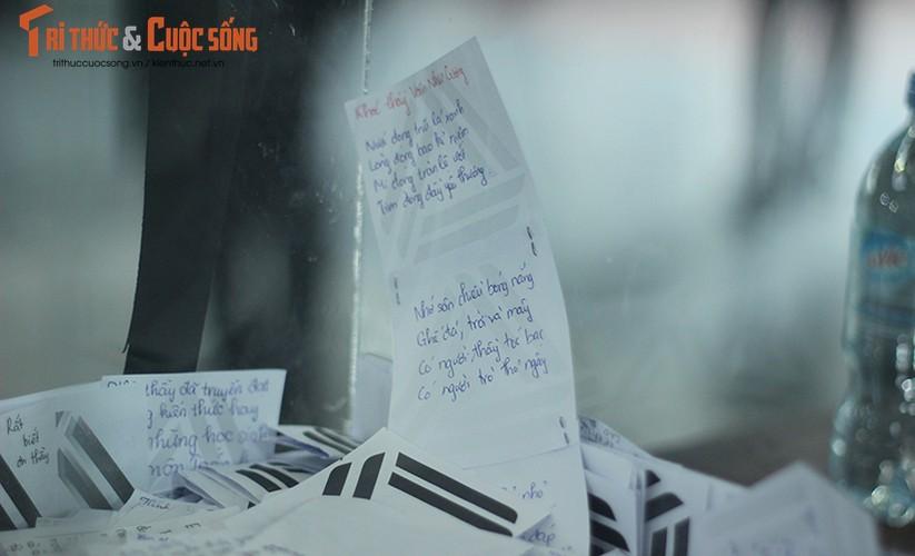 Anh: Xuc dong, nghen ngao le tang thay Van Nhu Cuong-Hinh-14