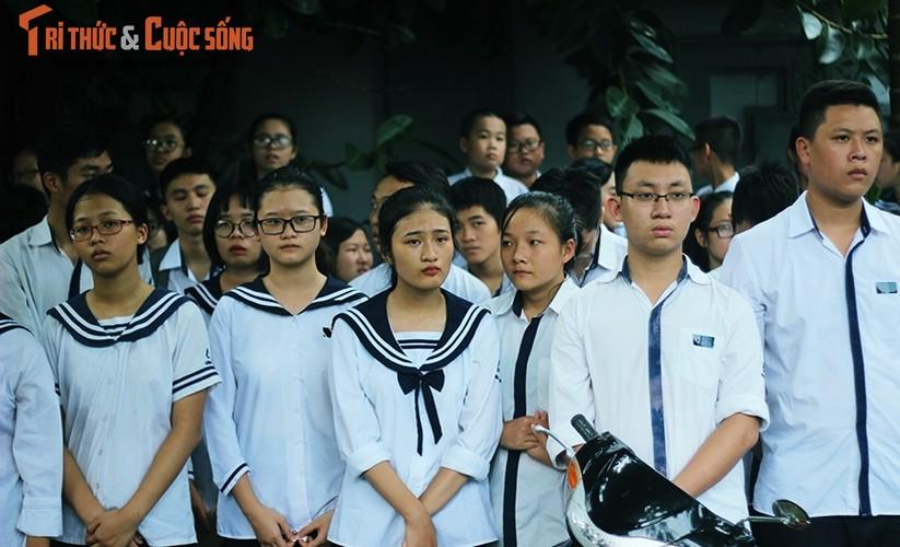 Anh: Xuc dong, nghen ngao le tang thay Van Nhu Cuong-Hinh-9