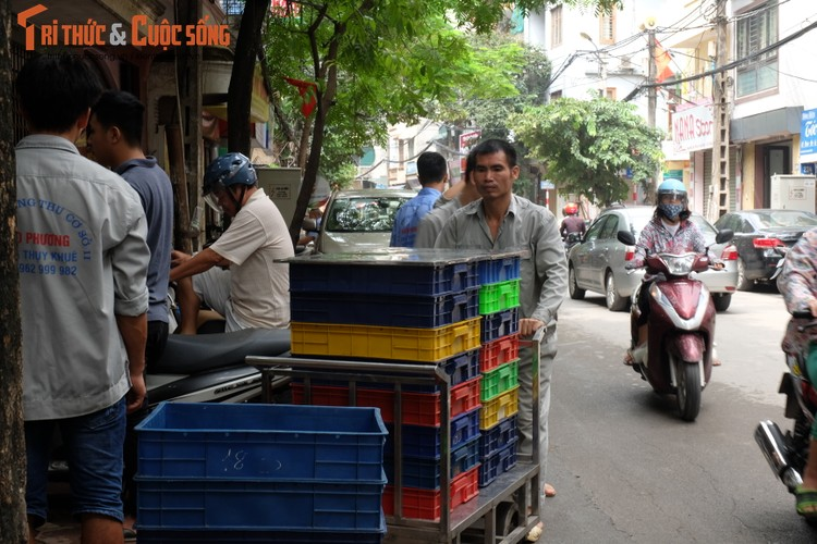 "Banh trung thu Bao Phuong ""hot"" nhat Thu do vang ve khac thuong-Hinh-11"