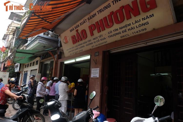 "Banh trung thu Bao Phuong ""hot"" nhat Thu do vang ve khac thuong-Hinh-3"