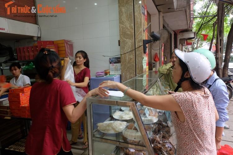 "Banh trung thu Bao Phuong ""hot"" nhat Thu do vang ve khac thuong-Hinh-6"