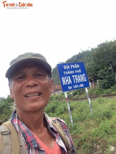 Gioi tre phuc sat dat cu ong di bo xuyen Viet-Hinh-11