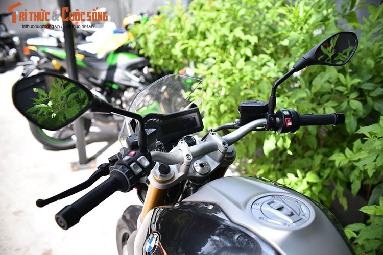 Moto BMW R1200R giam gia hon 200 trieu tai Viet Nam-Hinh-3