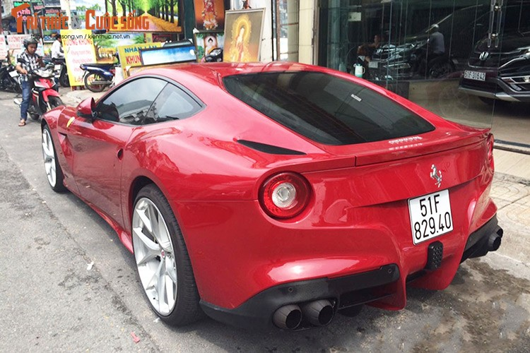 Sieu xe Ferrari F12 ban do Dubai gia 22 ty tai Sai Gon-Hinh-10