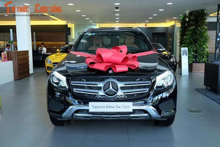 Ca sy Toc Tien tau Mercedes GLC 4Matic gia 1,78 ty-Hinh-2