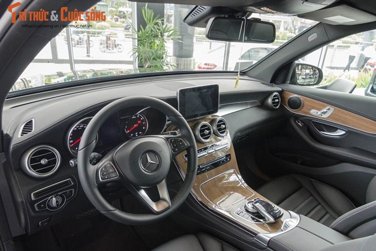 Ca sy Toc Tien tau Mercedes GLC 4Matic gia 1,78 ty-Hinh-9