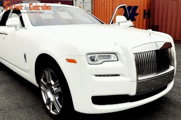 Rolls-Royce Ghost gia 42 ty dong ve Viet Nam ngay can Tet-Hinh-3