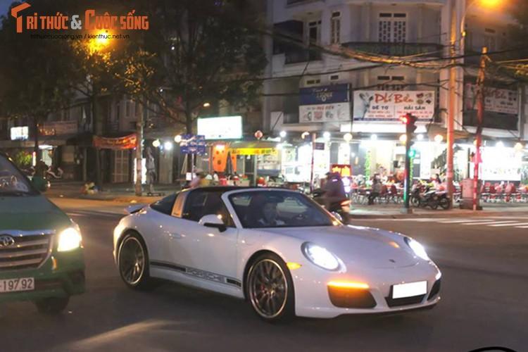 Tay choi Sai thanh chi 8,9 ty tau Porsche 911 choi Tet