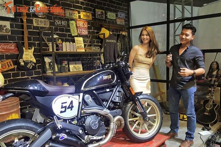 "Ngoc Trinh ""vay ngan, lung tran"" ben moto Ducati khung-Hinh-5"
