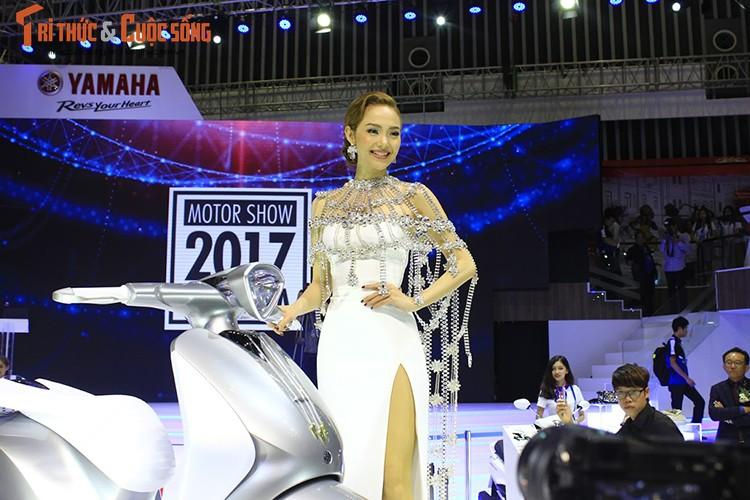 "Minh Hang ""hen ho"" Chi Pu tai gian hang Yamaha o VCMS 2017-Hinh-6"