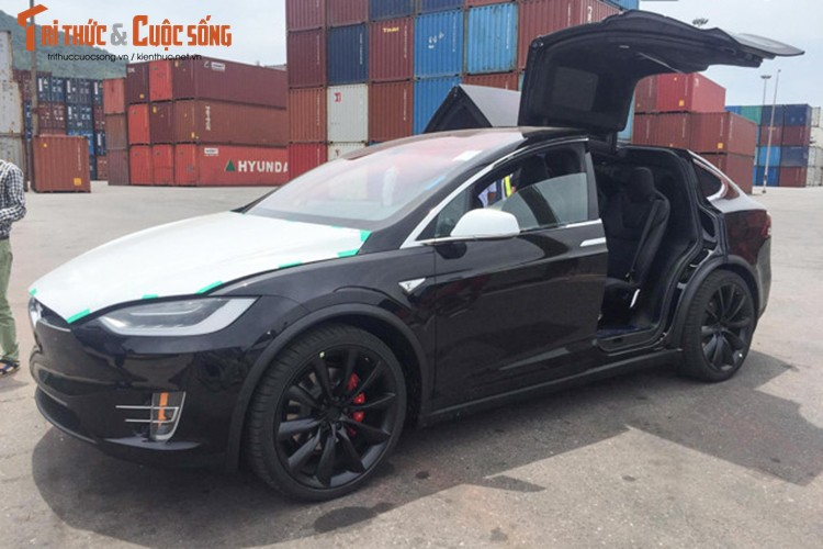 "Can canh sieu ""xe hop"" chay dien Tesla Model X tai VN-Hinh-3"