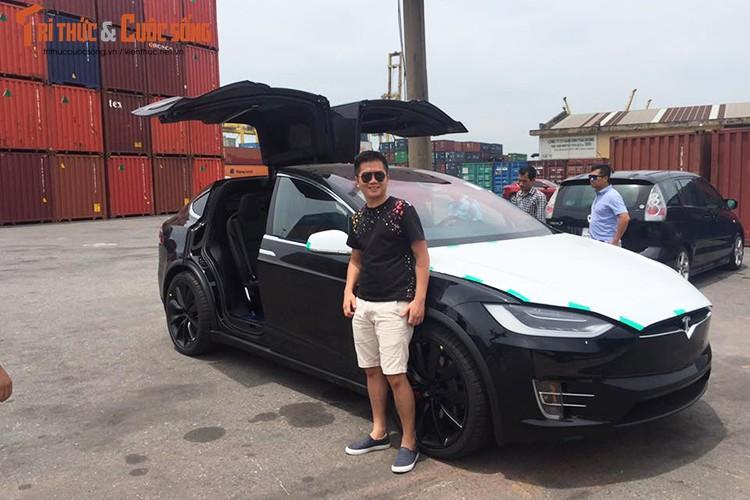 "Can canh sieu ""xe hop"" chay dien Tesla Model X tai VN-Hinh-6"