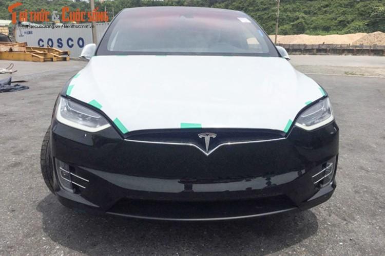 "Can canh sieu ""xe hop"" chay dien Tesla Model X tai VN"