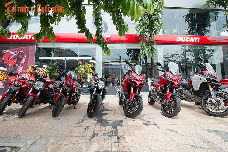 Ducati Viet Nam co showroom moto chuan 3S toan cau