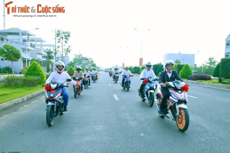 """Hon 50 xe Honda Winner ram ro """"cuop dau"""" o An Giang-Hinh-6"""