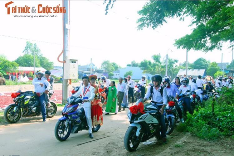 """Hon 50 xe Honda Winner ram ro """"cuop dau"""" o An Giang"""