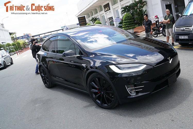 Chi tiet xe dien Tesla Model X P100D hon 8 ty tai SG