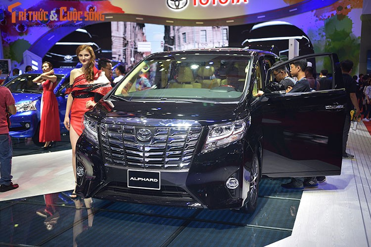 "Soi dan xe Toyota ""moi cung"" tai trien lam oto VMS 2017-Hinh-9"
