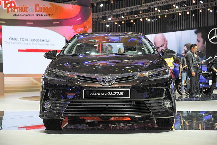 "Toyota Corolla Altis 2017 ""chot gia"" tu 702 trieu tai VN-Hinh-2"