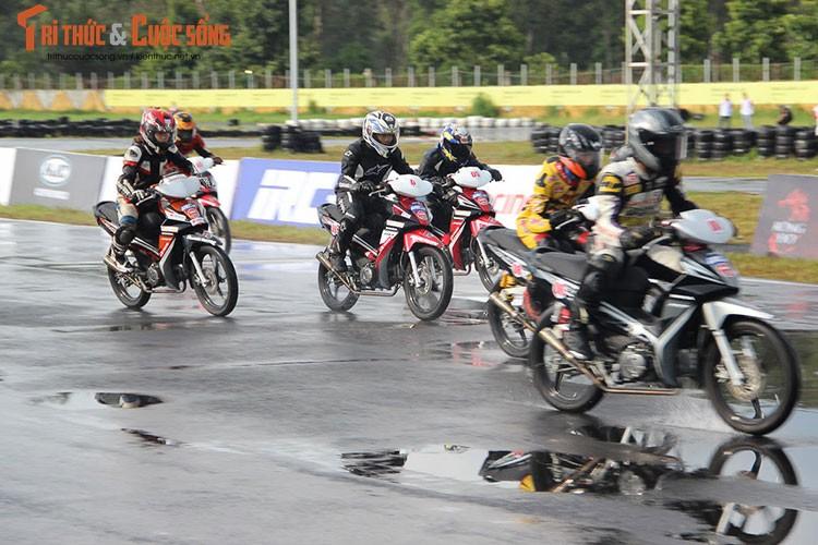 """Dan """"xe no"""" Honda tiep tuc dua nong tai Binh Duong-Hinh-2"""