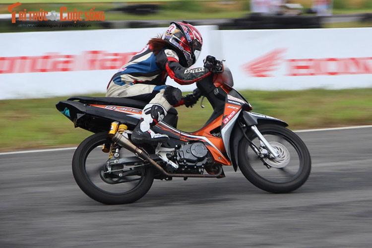 """Dan """"xe no"""" Honda tiep tuc dua nong tai Binh Duong-Hinh-4"""