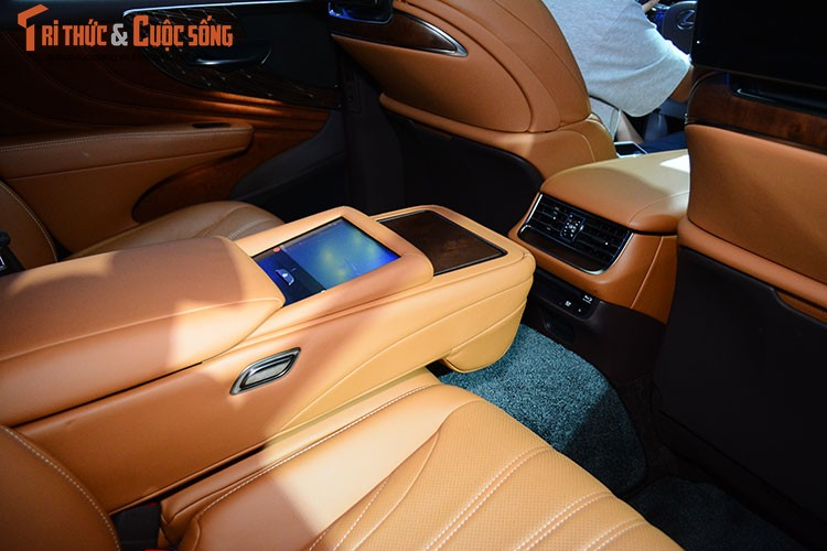 """Soi"" xe sang hybrid tien ty Lexus LS500h tai Viet Nam-Hinh-10"