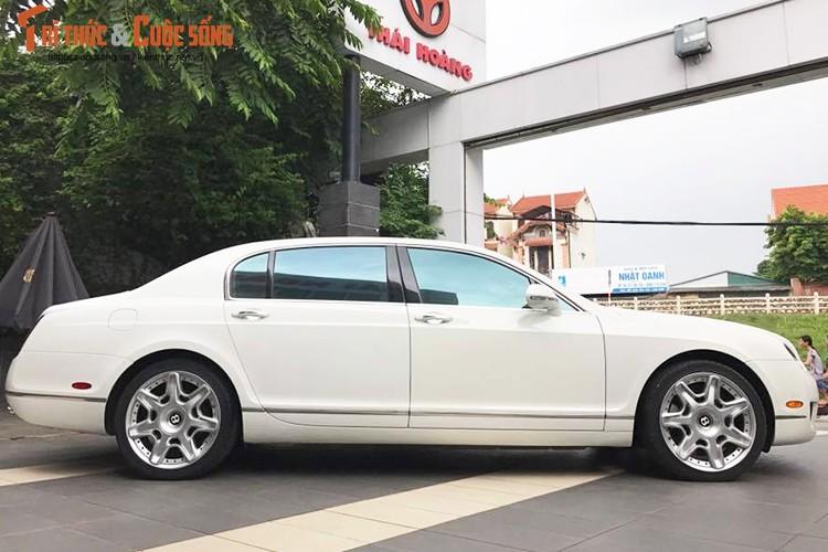 Can canh sieu xe sang Bentley gia chi 4 ty tai Ha Noi-Hinh-2