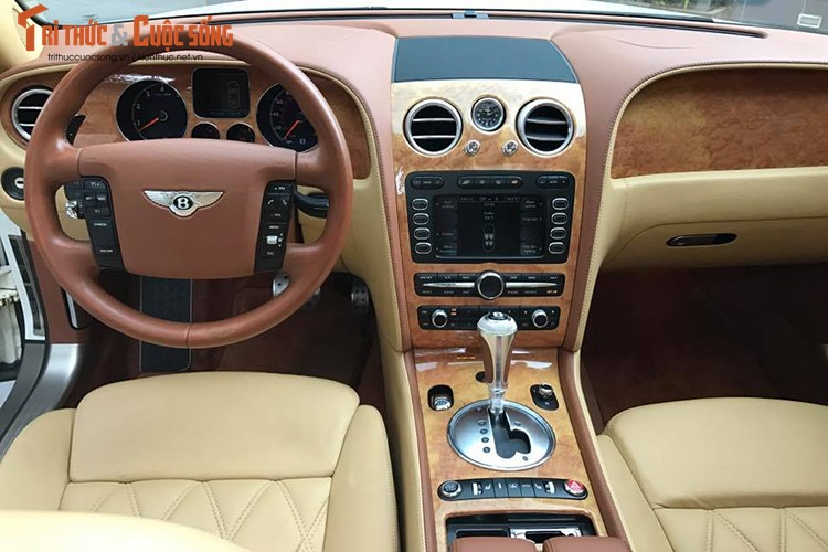Can canh sieu xe sang Bentley gia chi 4 ty tai Ha Noi-Hinh-5
