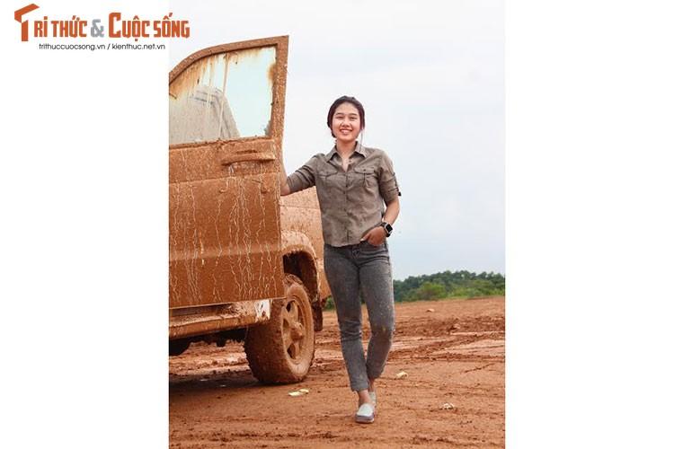 "Nu sinh 9X Viet ""quay"" xe oto UAZ Pickup tai VOC 2017-Hinh-7"