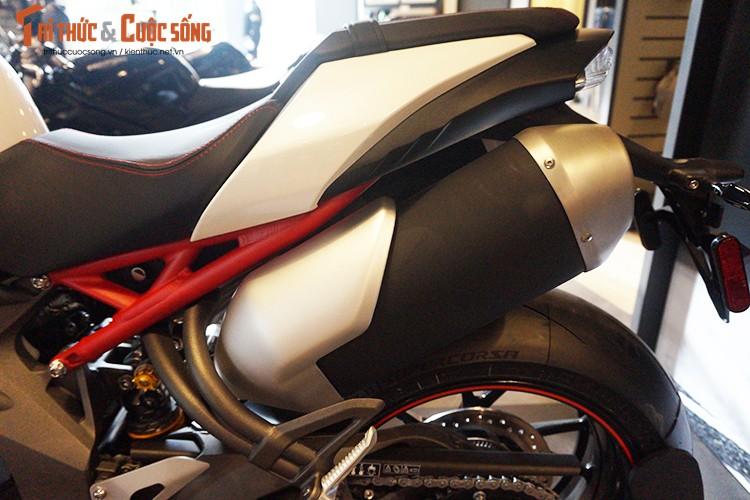 Moto Triumph Speed Triple R chinh hang gia 699 trieu tai VN-Hinh-7