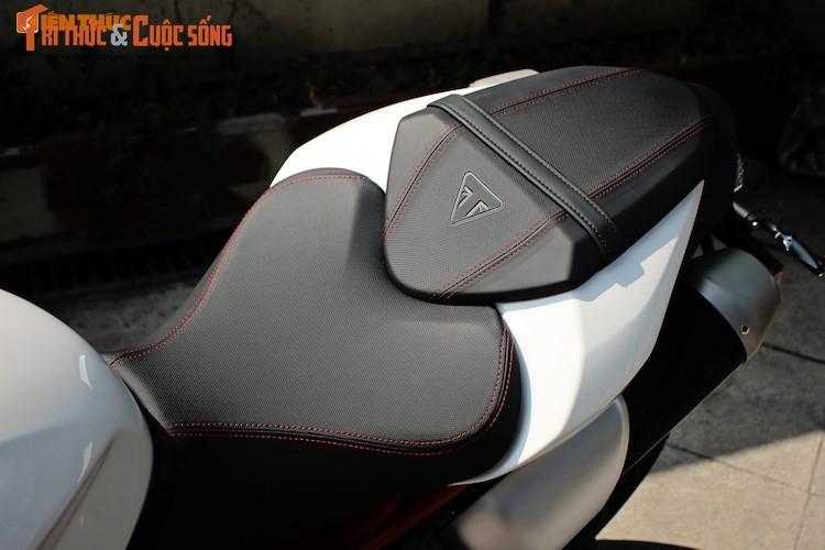 Moto Triumph Speed Triple R chinh hang gia 699 trieu tai VN-Hinh-8